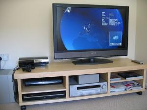 Tévé, telefon, internet együtt