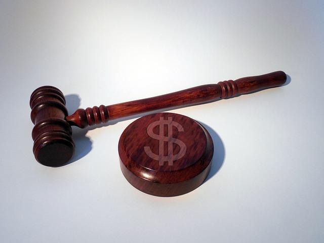 Janklovics ügyvéd segít